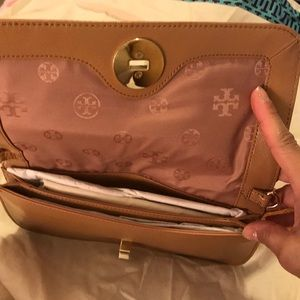 Tory Burch Bags - Tory Burch Adalyn Clutch
